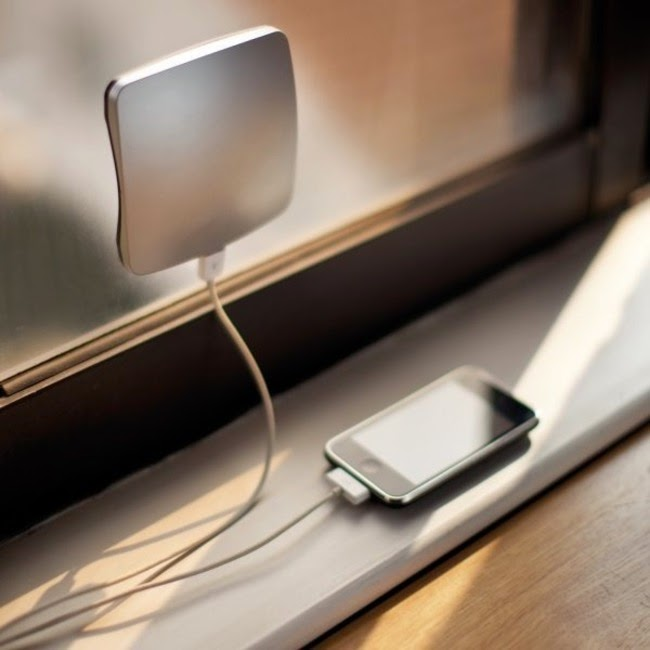 solar powered smartphone charger