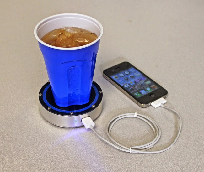 hot or cold drink powered smartphone charger