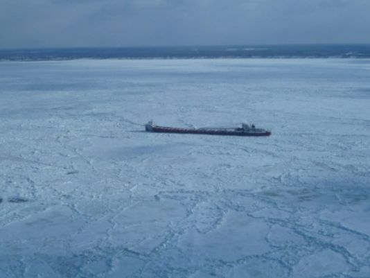 Arthur M. Anderson stuck in global warming in the great lakes