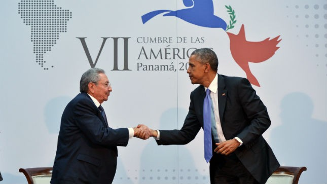 obama meets with raul castro 2015
